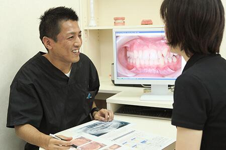 治療説明・口腔内への意識の啓蒙を重視